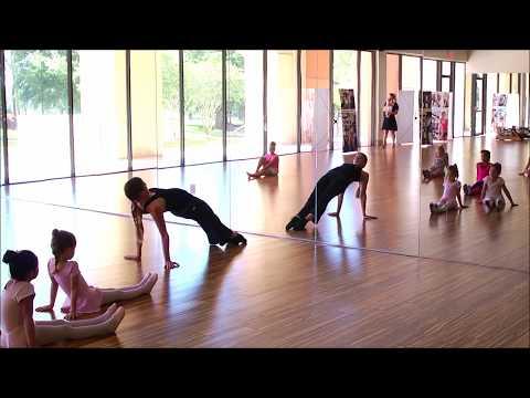 Intro Ballet Class with Ms. Kinga Pópé