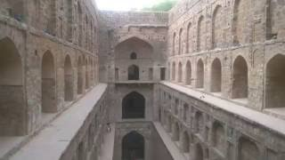 agrasen-ki-baoli-step-well-of-ugrasen-in-connaught-place-in-new-delhi