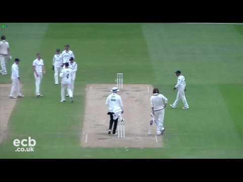 Highlights   Warwickshire v Surrey Day 3