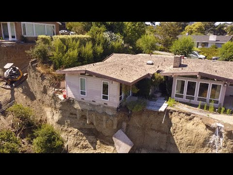 Home Nearly About to Fall Off Cliff is on the Market For $850,000