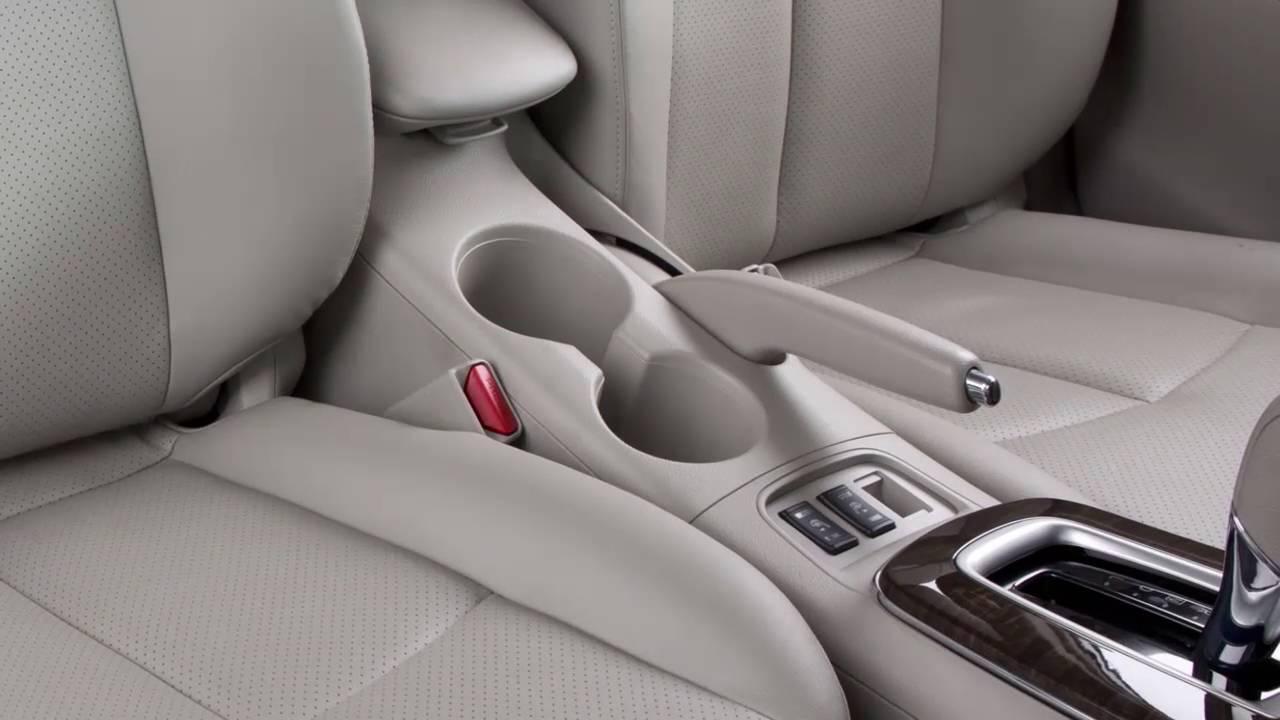 Nissan Sentra Owners Manual: Sunglasses holder