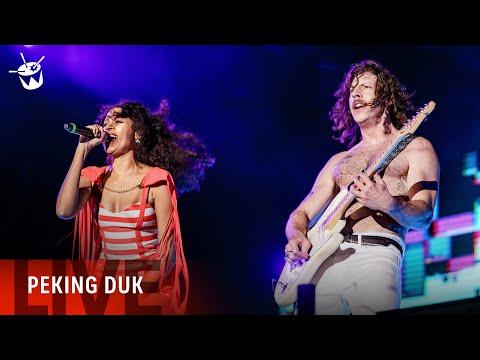 Peking Duk Ft. AlunaGeorge 'Fake Magic' (live at Splendour In The Grass)