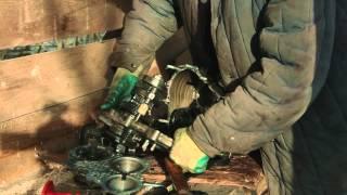 видео Ремонтируем ВАЗ-21213 И 21214 (проверка генератора)