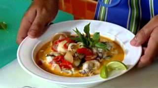 ယေန႔စားဖြယ္ရာ(ကင္းမြန္Red Curry ဟင္းႏွင့္ ခရမ္းေရာင္ ေဂၚဖီေၾကာ္) thumbnail