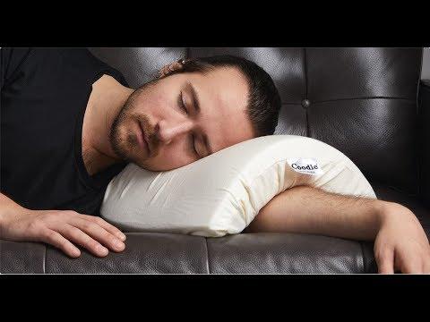 Mai più braccia addormentate grazie a questo cuscino