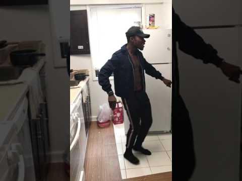 Mr. Eazi ft Mugeez : Business (Dance Video)