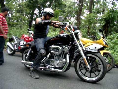 Harley Davidson Super Low 883 - Riding impression & sound - YouTube