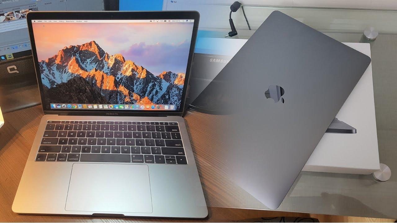 Apple MacBook Pro 13 Unboxing & Review 2018-17