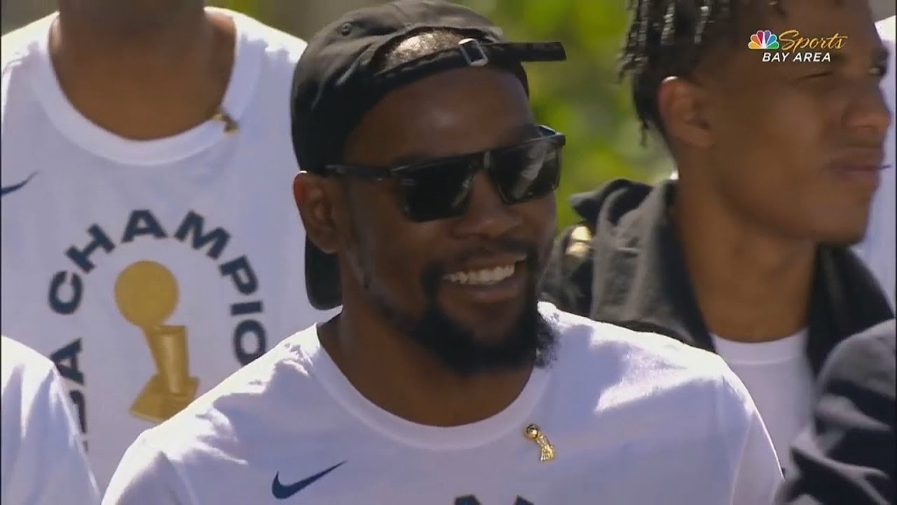 "Kevin Durant Gets Dissed By Warriors After 2018 NBA Finals "" He Hasn't Earned A Contract Like Curry"""