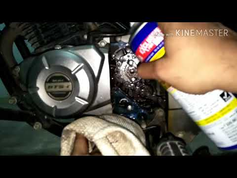 Pulsar 150cc: Chain Cleaning and Lubrication.