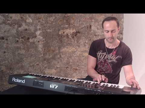 Roland FA-07 Music Workstation performance by Elyes Bouchoucha