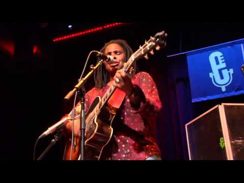 """Ruthie Foster - """"Singing The Blues"""" (eTown Webisode #751)"""