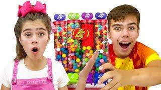 Nastya y Mia teach Artem para comer y ejerciciar correctamente