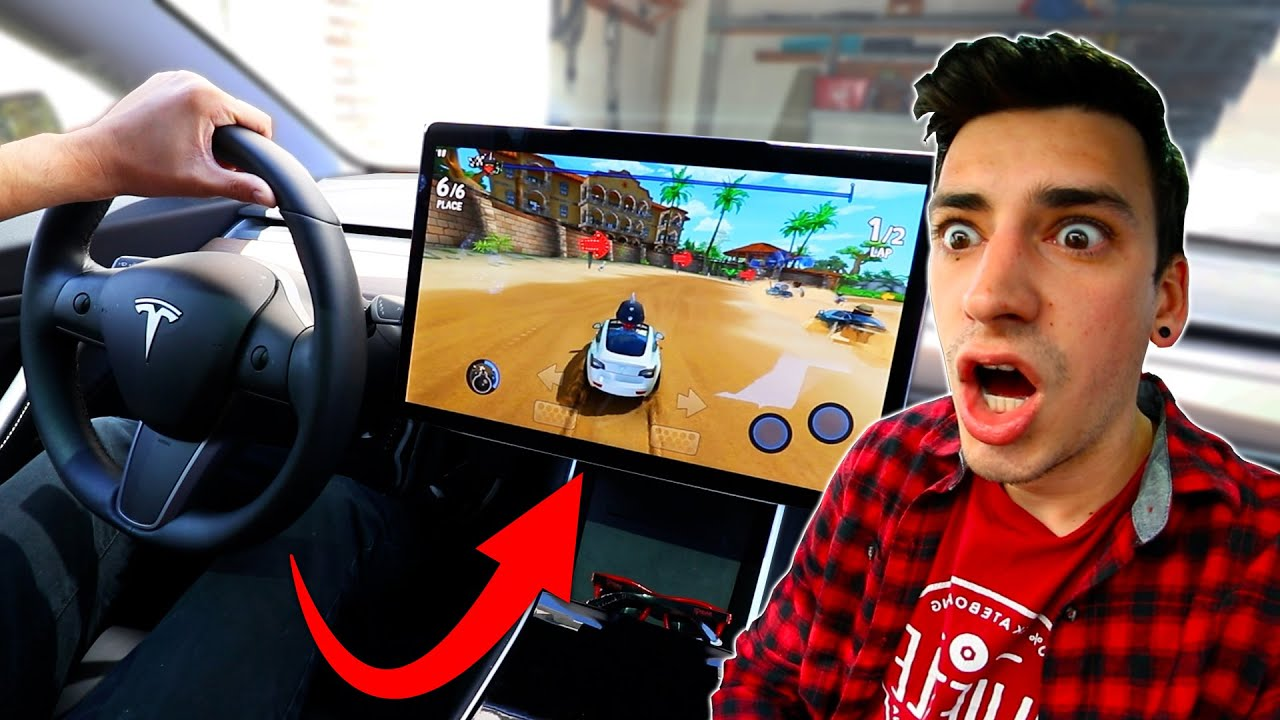 PLAYING VIDEO GAMES IN MY TESLA!
