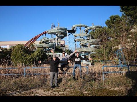 Un Barbone Vive In Un Parco Acquatico Abbandonato Esploriamo Posti Abbandonati Mallow Youtube
