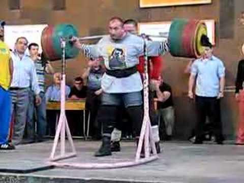 Mr. Armenia Bodybuilding & Powerlifting Champion Doing 370 Kg Squat