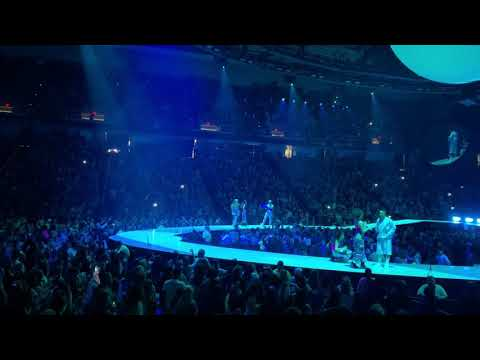 ARIANA GRANDE | Bloodline [Live At Albany Sweetener World Tour 2019]