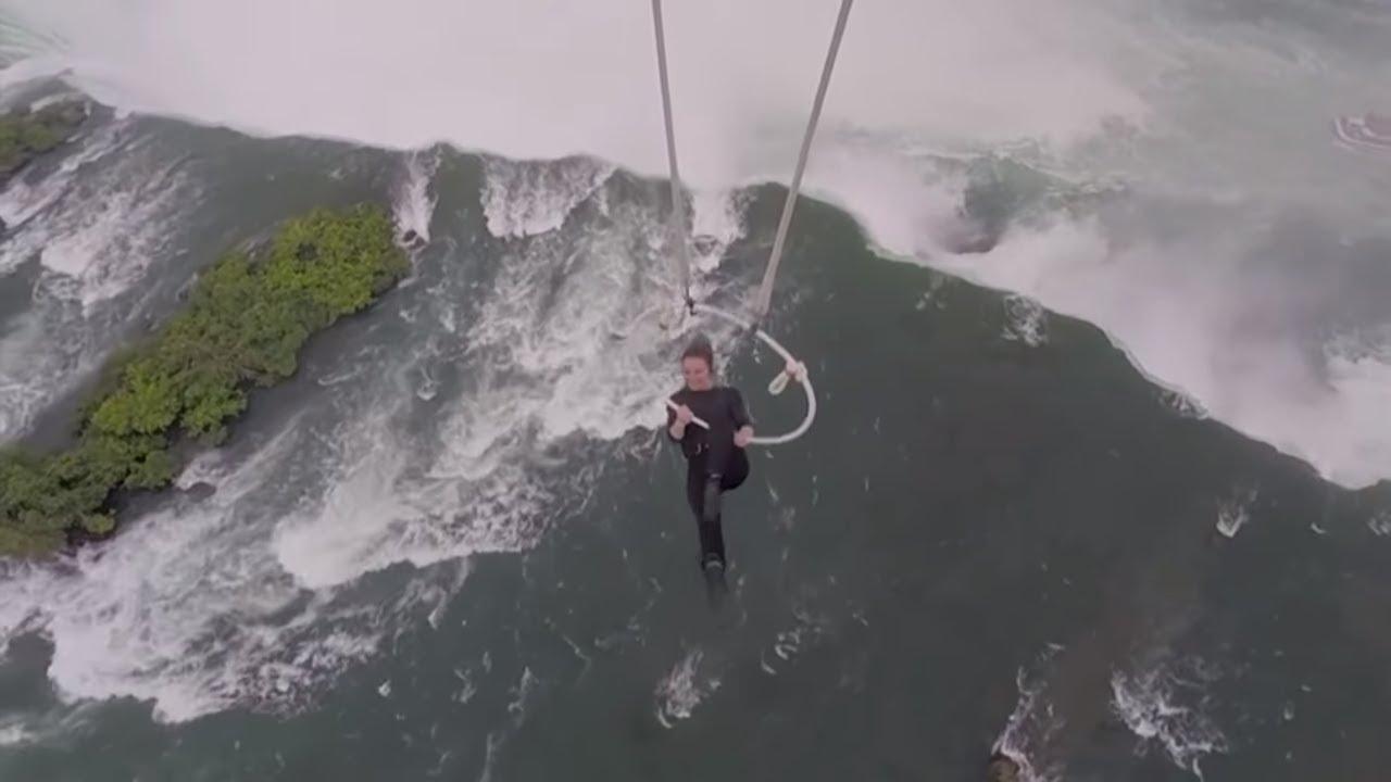 Gewagte Nummer Spektakuläre Akrobatik über Den Niagarafällen Youtube