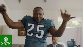 NFL on Xbox: Gaming with LeSean McCoy