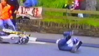 regis perd la roue de sa moto