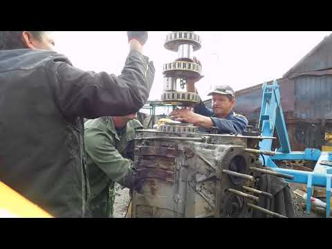 """Двигатель ЯМЗ-240 (трактор К -701) - установка коленчатого вала в """"полевых"""" условиях."""