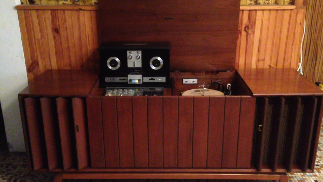 Vintage Mid-Century Modern ZENITH Stereo Console in Action