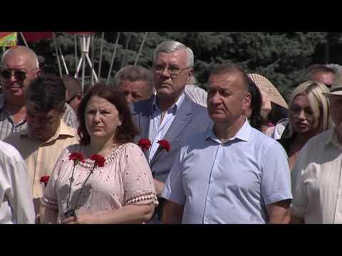 lgikvideo: Власти Луганска и Республики возложили цветы к памятникам погибшим в ВОв