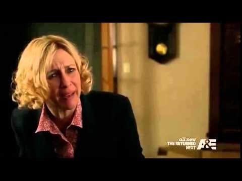 Bates Motel - Norma and Alex fight and almost kiss