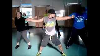 Pasarela by Daddy Yankee - Zumba with Alex Amor