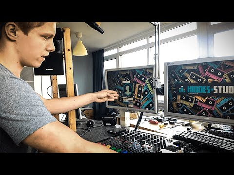 HiddeS Radio Studio Tour Part 2 : Studio Software