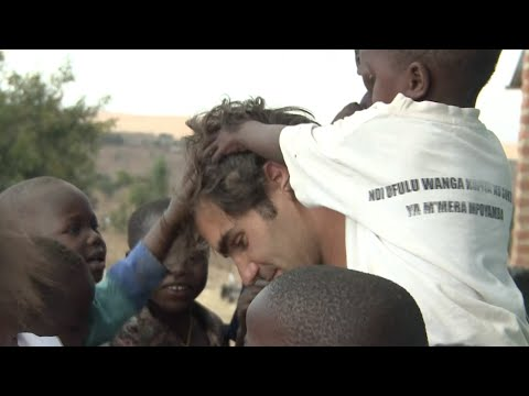 Federer Recovers From Wimbledon Loss Helping Children in Africa