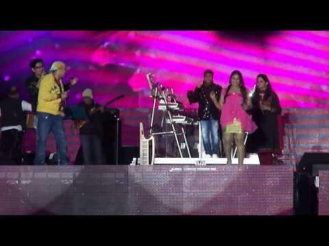 Harris on the edge concert at Dubai festival city! - Asku Lusku from NANBAN ..