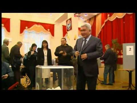 Kyrgyz vote for first democratically elected parliament