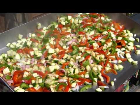 emincé-de-légumes-en-début-de-cuisson-a-la-plancha