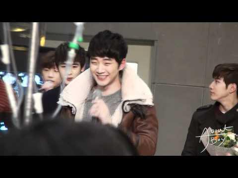 [Fancam] 111227 2PM Samsung Medical Center Event Junho 2