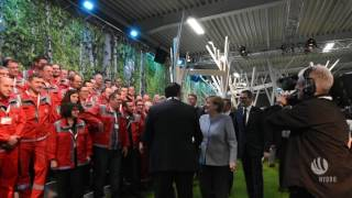 Merkel and Solberg unveil Hydro's new automotive line