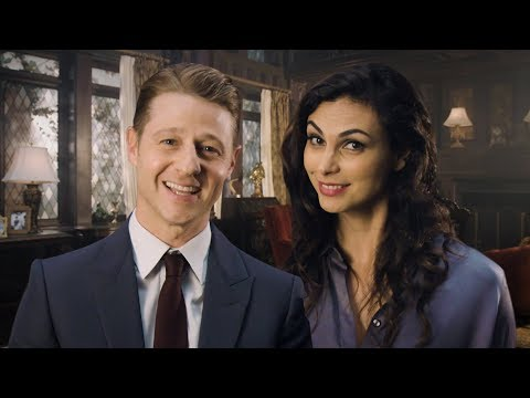 Ben McKenzie Forgot to Put Pants On // Omaze
