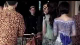 Download Video Menjadi Tersangka Video Porno, Luna Maya Bergerak Suka-Suka - CumiCumi.com MP3 3GP MP4