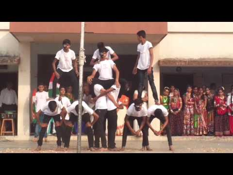 ENERGETIC DANCE by SECONDARY students