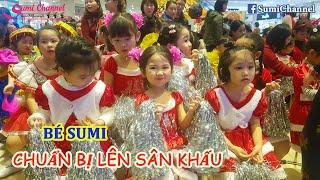 Bé Sumi Trang Điểm, Thay Váy, Chuẩn Bị Lên Sân Khấu Biểu JINGLE BELLS Đêm NOEL