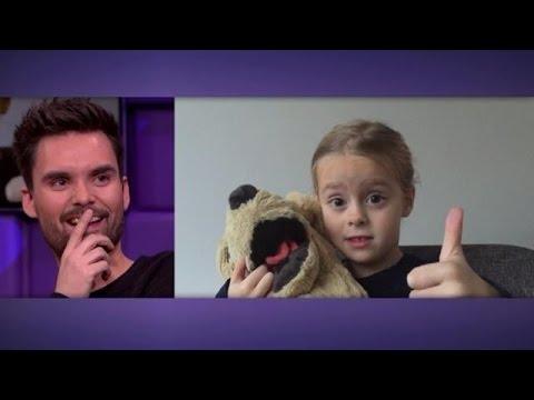 5-jarig meisje verklaart de liefde aan dj Domien - RTL LATE NIGHT
