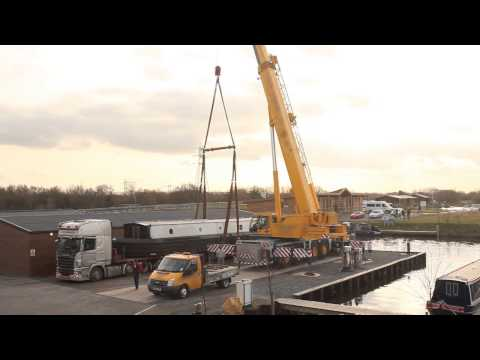 69x11ft Widebeam Canal Boat Crane Lift