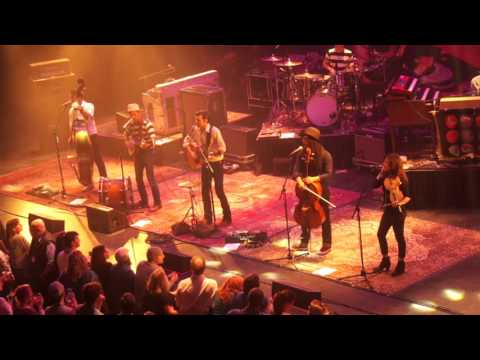 """Avett Brothers """"Salvation Song"""" Chicago Theatre, 04.22.16"""