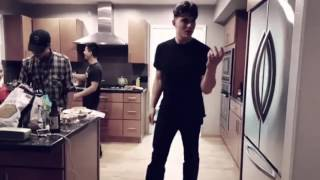 Zane Holtz Dancing To Pony