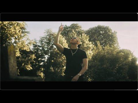 Смотреть клип Bmike Ft. Calenraps - Pray For Better Dayz