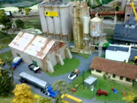 Layout la fabrica de cemento youtube for La fabrica del mueble sevilla