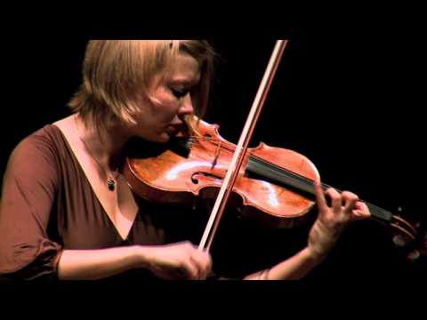Alina Ibragimova  J.S. Bach:Preludio Violin Partita No.3 in E major BWV 1006
