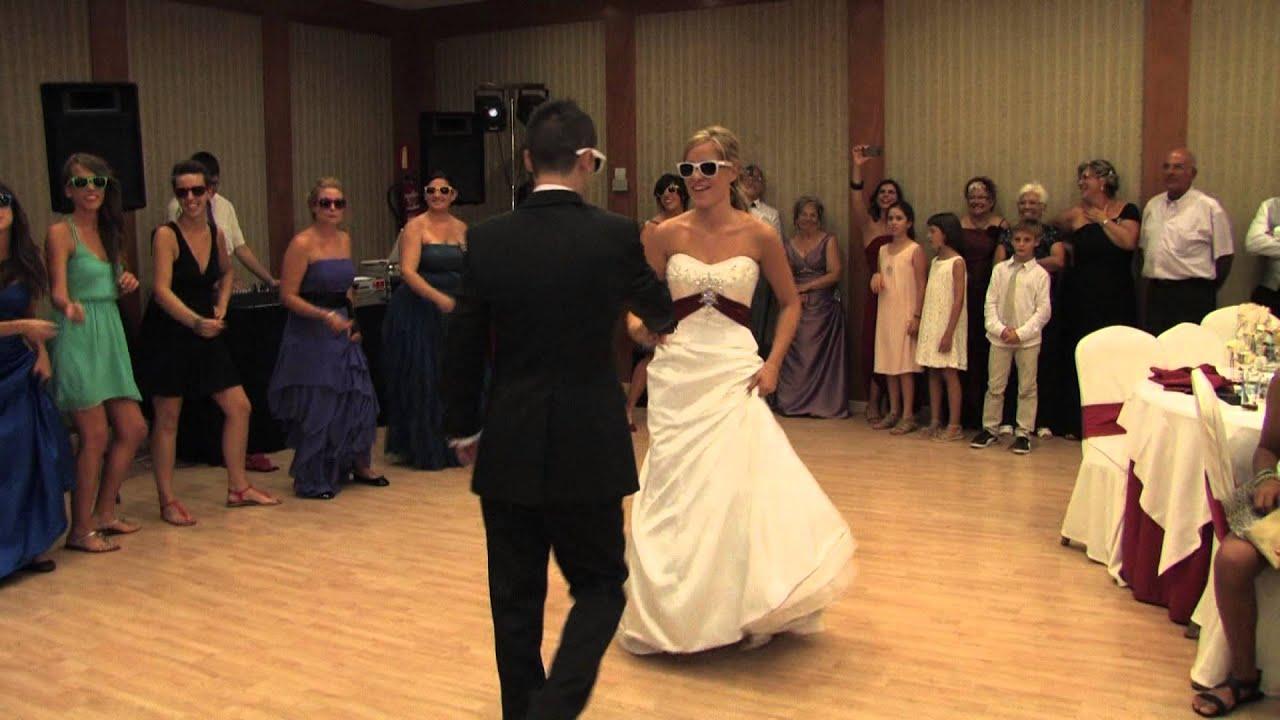 Baile sorpresa boda con amigos increible youtube - Sorpresas para fiestas ...