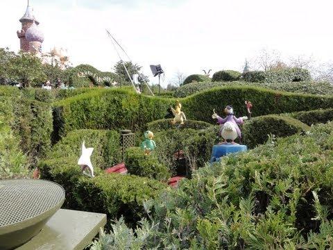 Disneyland Paris Alice S Curious Labyrinth Youtube