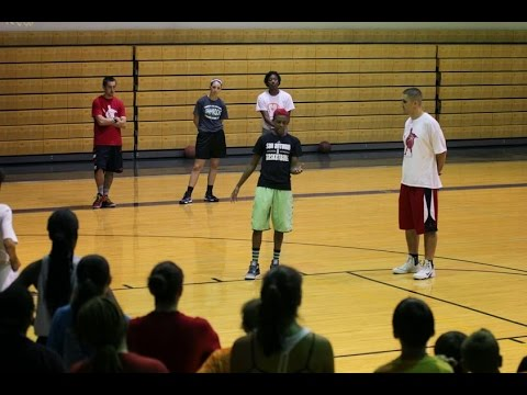 Pass and Move Scoring Drill With Danielle Robinson - San Antonio Basketball Training